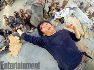 Glenn-and-zombies-in-The-Walking-Dead-season-4B.