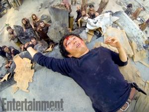 Glenn-and-zombies-in-The-Walking-Dead-season-4B.